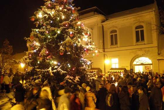 Rozsvícení vánočního stromu města Valašské Klobouky c6fe655054