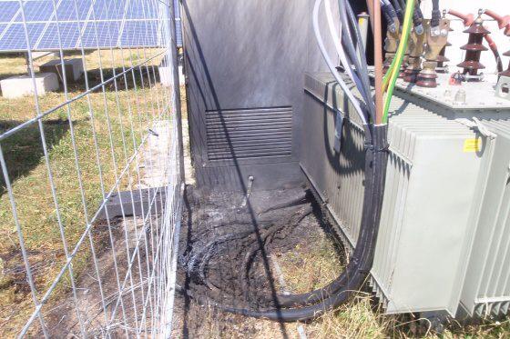 2e7ecb557ac U Valašských Příkaz hořela elektrorozvodna