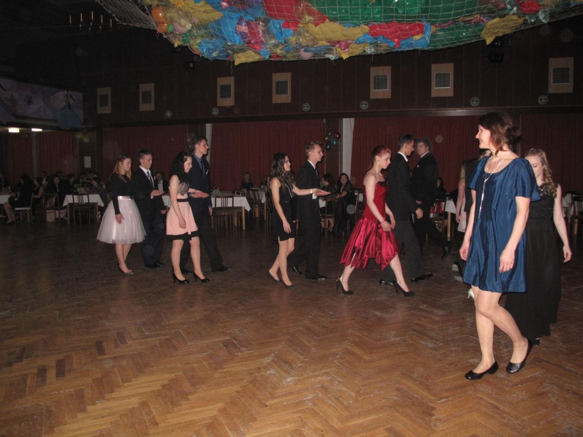 Učňovský ples Valašské Klobouky 8. 2. 2019   Tereza Bělašková ... d9f6514e51