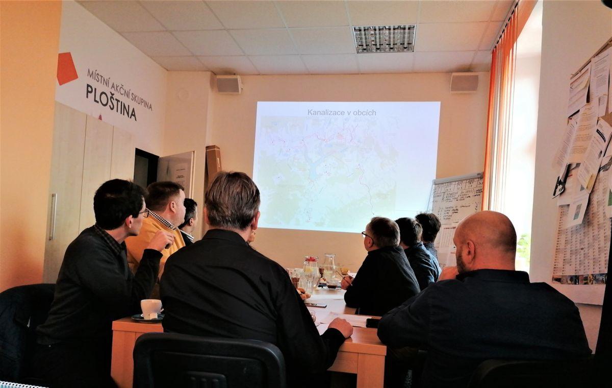 Vodn dlo Vlachovice: Zan se s vkupy pozemk   Region